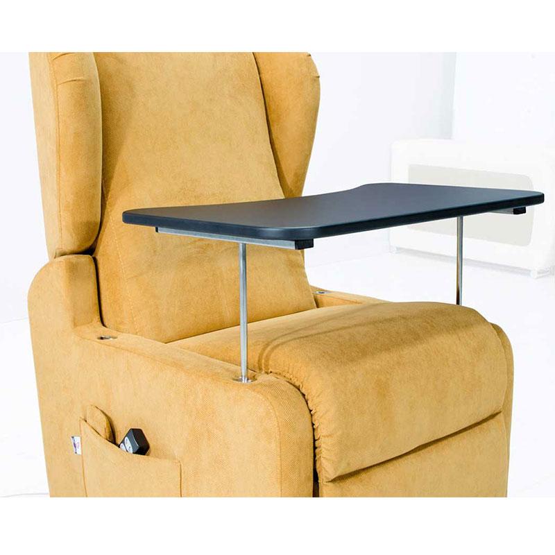 Poltrone Relax Per Anziani.Poltrona Relax Per Anziani E Disabili Bromelia Con Tavolo E Ruote